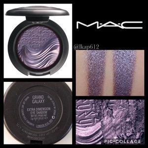 MAC Extra Dimension Eyeshadow- Grand Galaxy